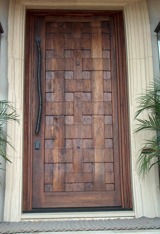 Custom entry door feature lattice design.